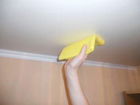 Как отмыть водоэмульсионную краску с одежды в домашних условиях