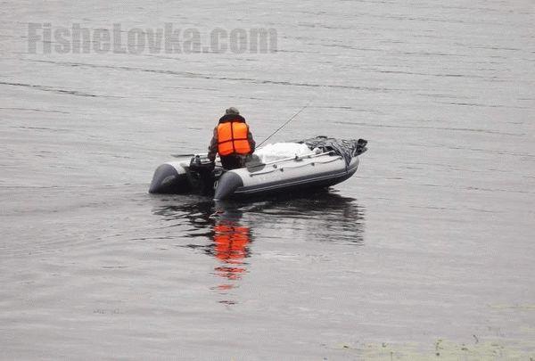 Ловля леща с лодки на бортовые удочки сделанные своими руками и их самостоятельное изготовление